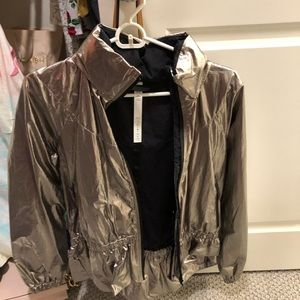 NEW WITHOUT TAGS LULULEMON JACKET